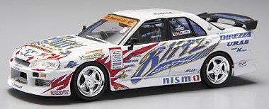 Aoshima 74428 - 1:43 Diecast D1 Grand Prix Memorials - #6 Blitz ER34 Skyline 4DR  2005