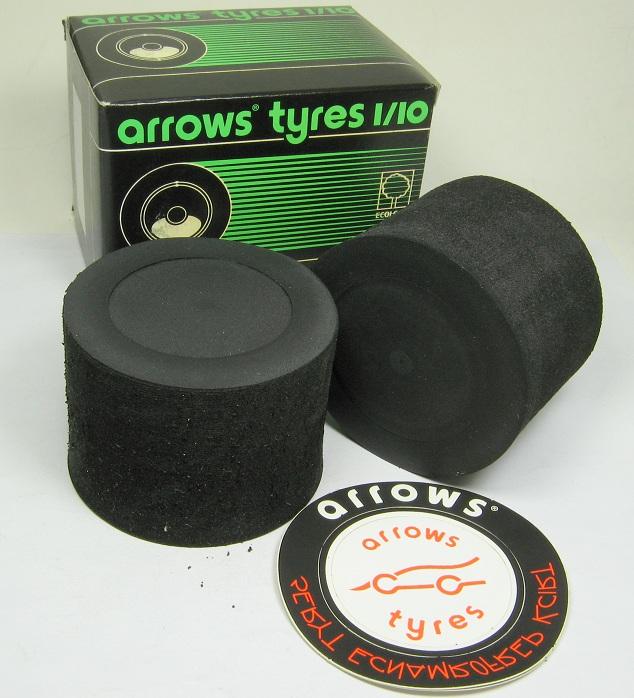 Arrows 5507.00.00 - 1/10 Rear Sponge Tire 07 Silver Dot