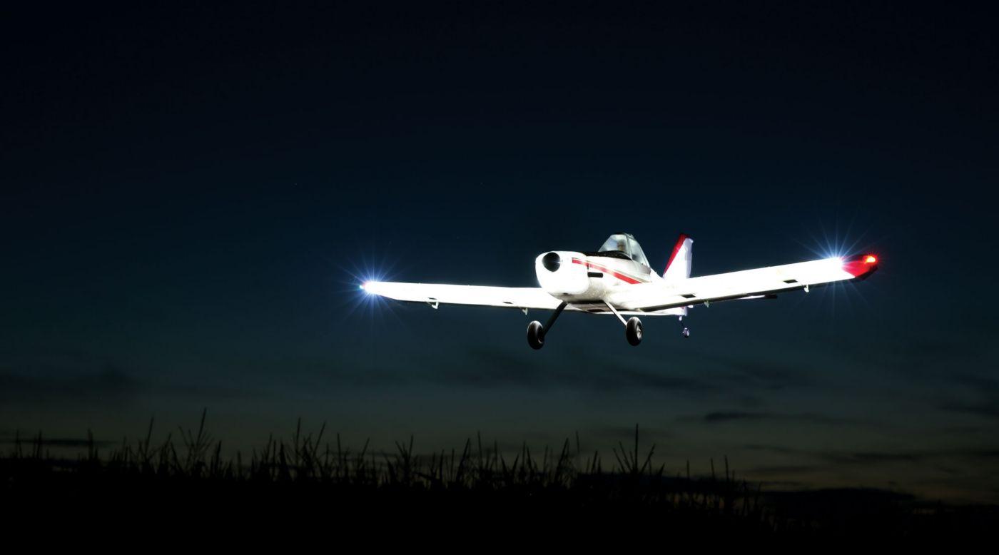 E-Flite EFL6950 - Brave Night Flyer BNF Basic