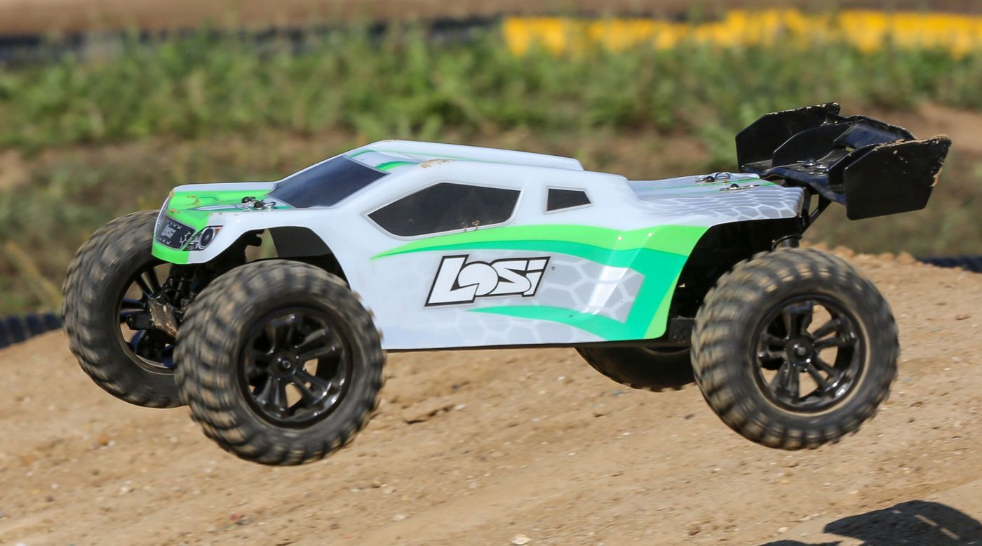 Losi LOS03011T1 - 1/10 TENACITY-T 4WD Truggy Brushless RTR with AVC, White/Green