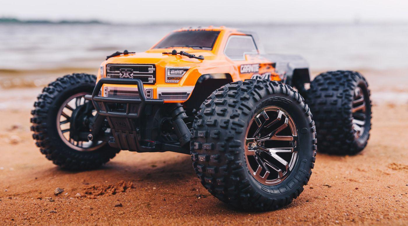 Arrma 102720T1 - 1/10 GRANITE 3S BLX 4WD Brushless Monster Truck with Spektrum RTR, Orange/Black